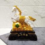 รูปปั้นม้ามงคลจีน